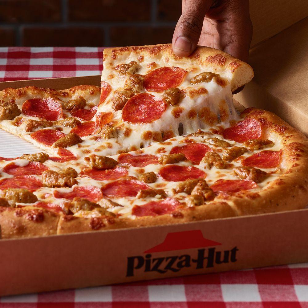 Pizza Hut: 605 W Hwy 79, Franklin, TX