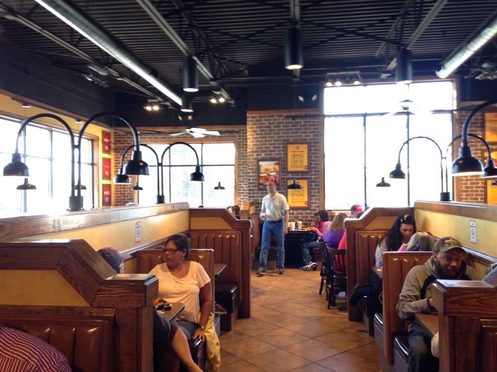 Zaxby s 11 photos 10 reviews fast food 4845 bill gardner pkwy locust grove ga for Zaxby s the house zalad garden