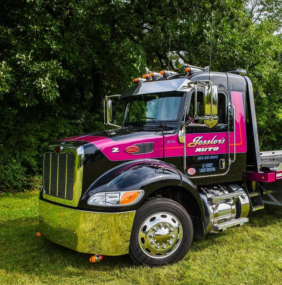 Towing business in Sussex, WI