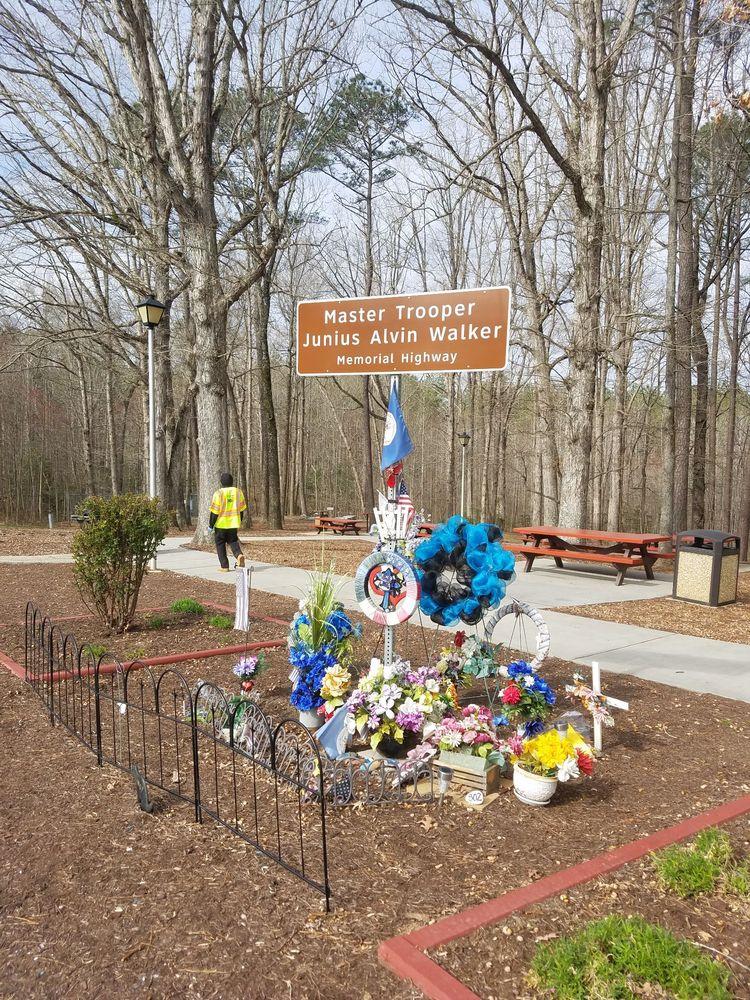 Dinwiddie Safety Rest Area South: Interstate 85 S at Mile Marker 55, Dinwiddie, VA