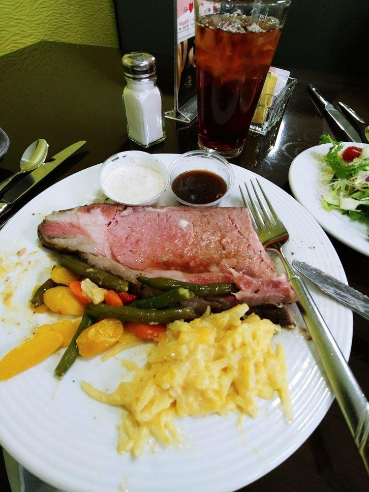 Triple Crown Eatery: 1 Prairie Meadows Dr, Altoona, IA