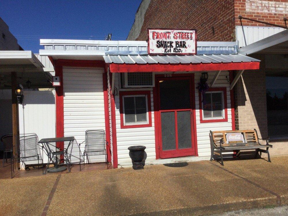 Ellie's Snack Bar: 108 W Front St, Iuka, MS