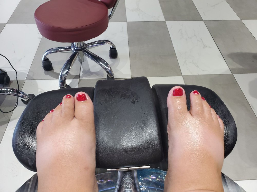 Sassy & Classy Nail Spa: 206 Box Butte Ave, Alliance, NE