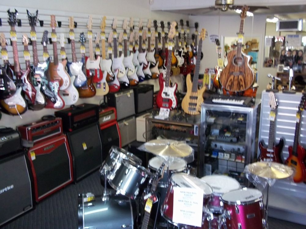 Guitars On George: 1121 N George St, York, PA