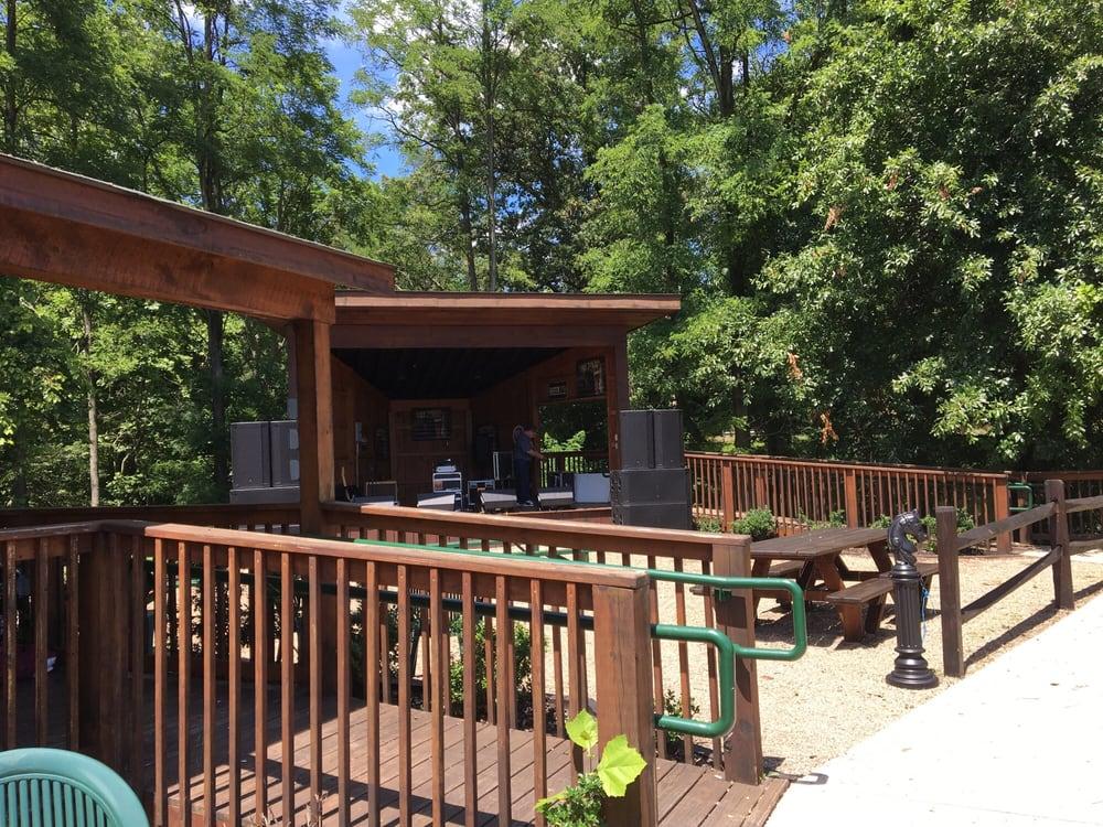 Bullpen Sports Bar & Grille: 301 County Park Rd, Avella, PA