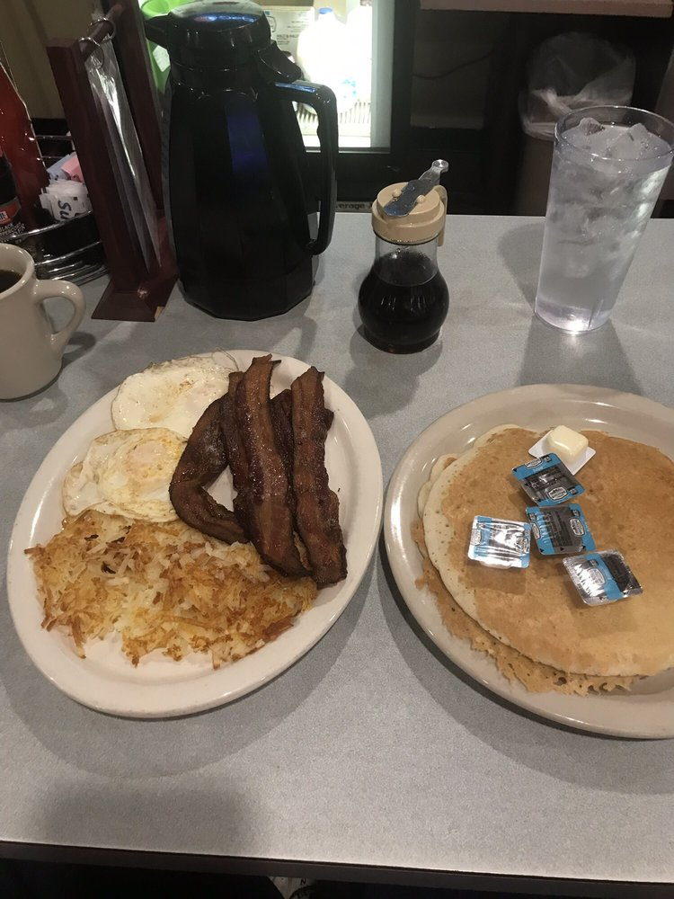 Hasty 183 Diner: 4101 148th St NW, Clearwater, MN