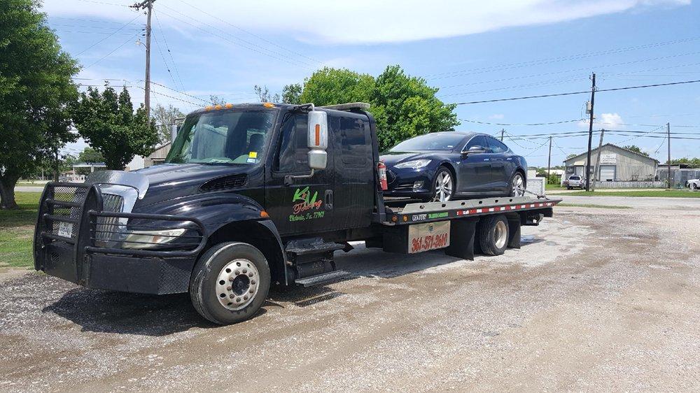 K & M Towing & Repo: 2501 E Mockingbird Ln, Victoria, TX