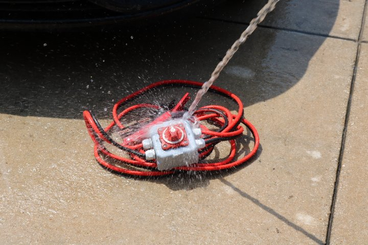 06ed72366 Safety Jumper Cables are waterproof so you can be safe in the rain ...