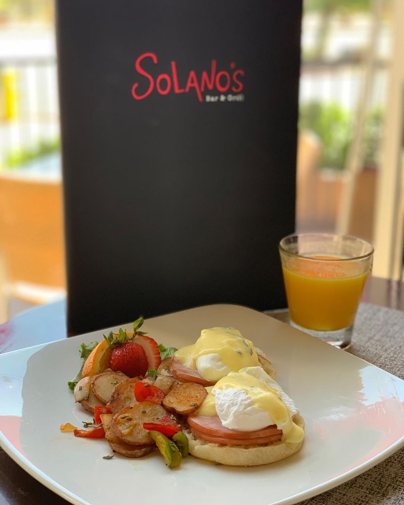 Solanos Bar and Grill: 37029 Cook St, Palm Desert, CA