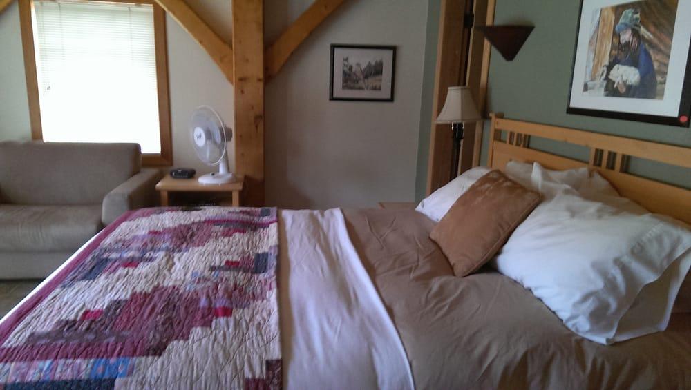 The Lodge at Black Rapids: 227.4 Richardson Hwy, Delta Junction, AK
