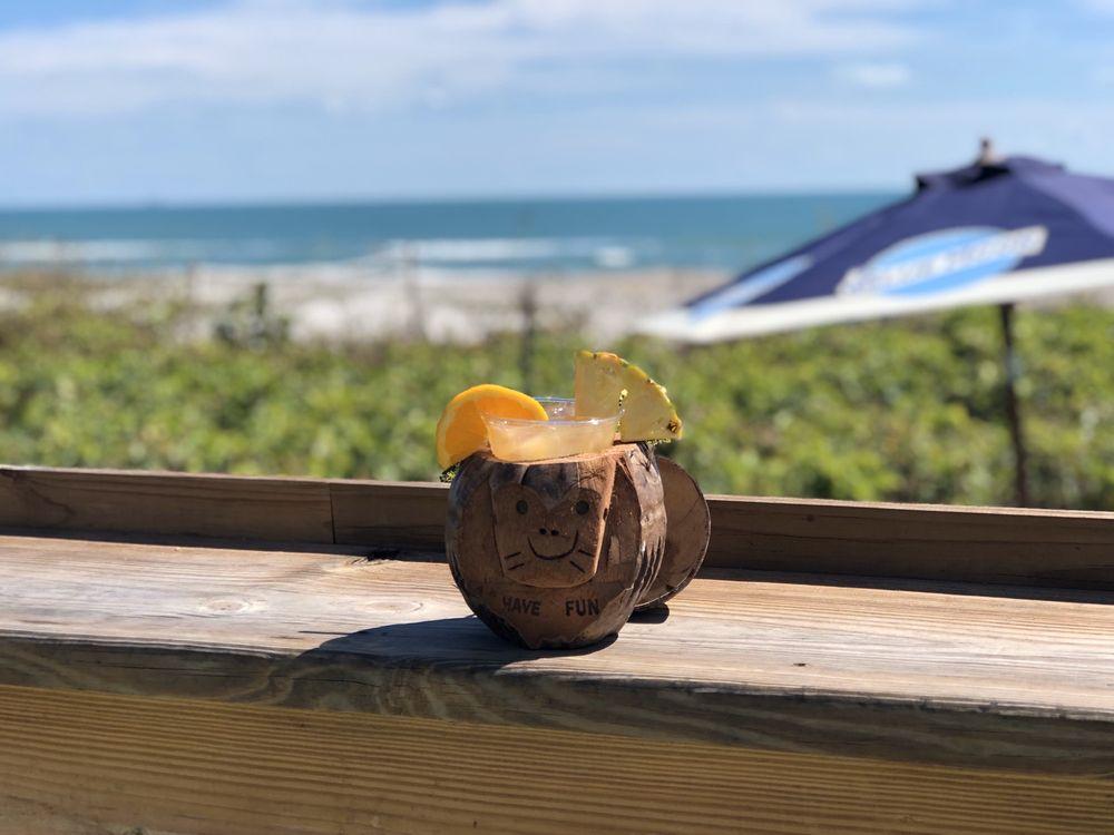 Castaway Beach Bar: 1550 N Atlantic Ave, Cocoa Beach, FL