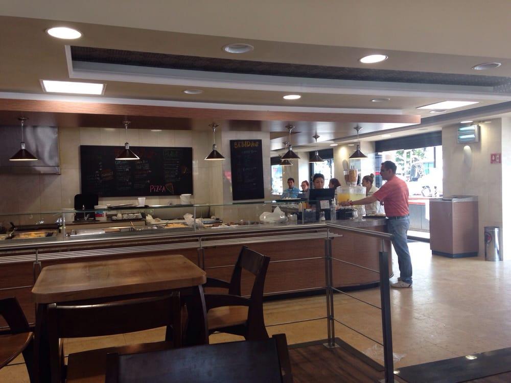 Foto de Panadería La Espiga - México, D.F., México. Una gran mejora a la arquitectura del lugar, buenos alimentos a un buen precio, lamentablemente poco personal, poca atención