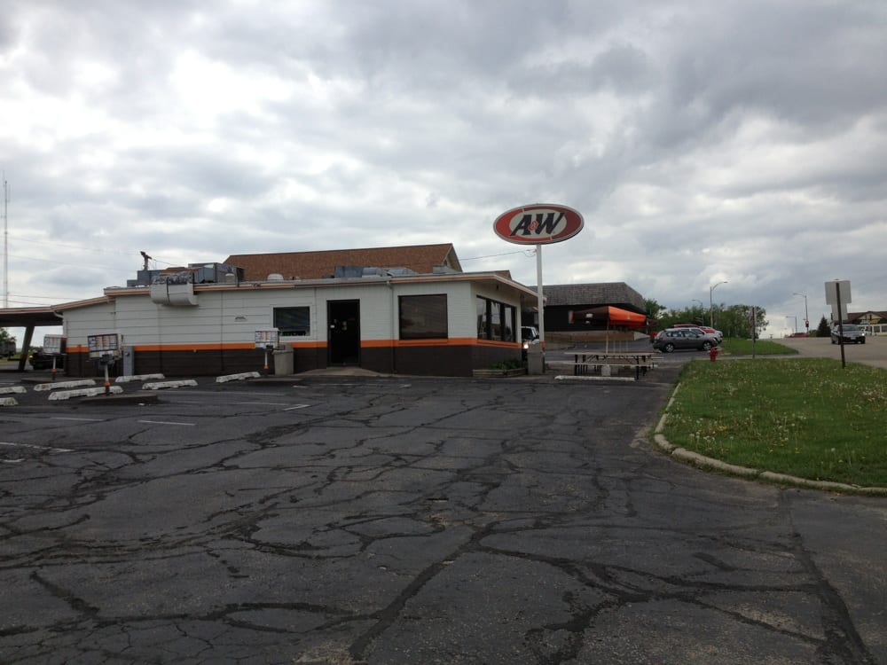 A&W Restaurant: 201 County Rd Yz, Dodgeville, WI