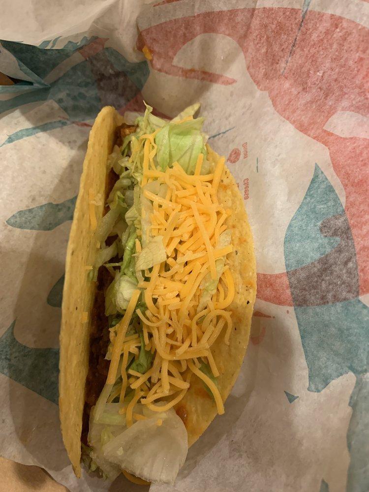 Taco Bell: 11665 Ulysses St NE, Blaine, MN