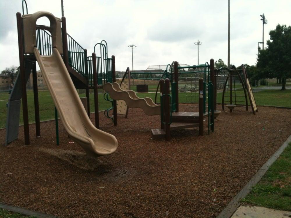 Alabama Drive Park: 1200 Alabama Dr, Herndon, VA