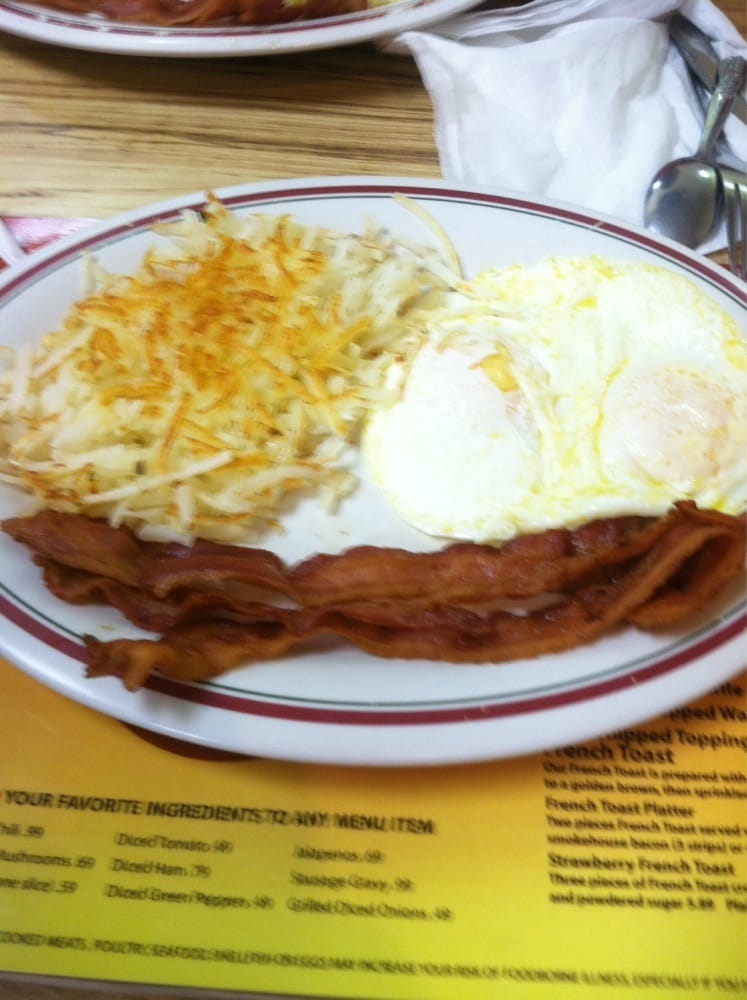 Roxy's Diner: 448 S State St, Lyons, GA