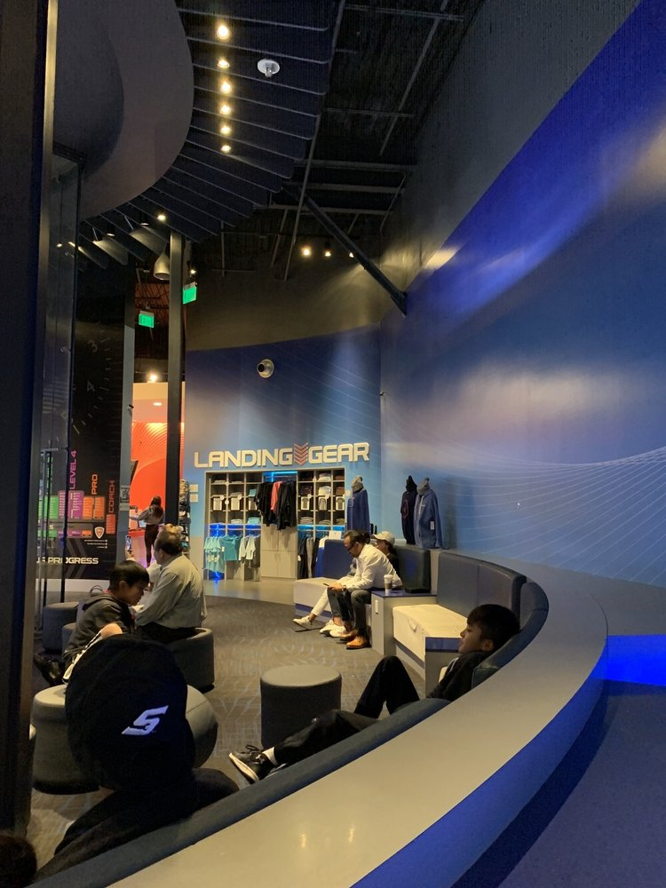 iFLY Indoor Skydiving - San Diego