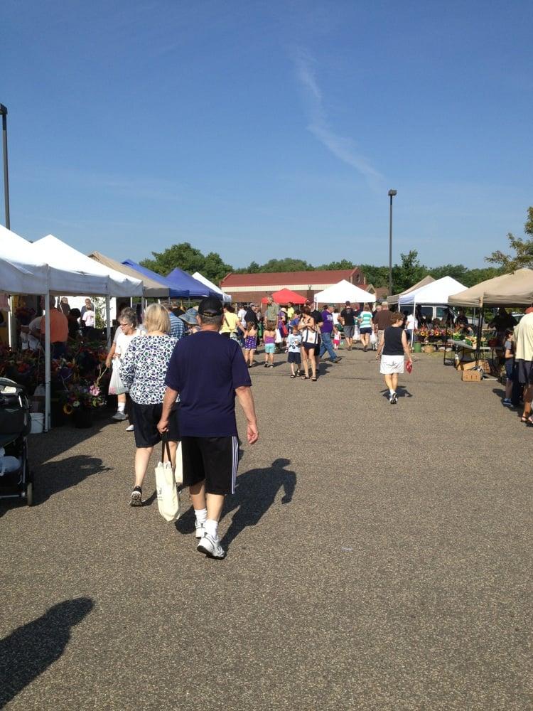 Woodbury Farmers Market: Saint Paul, MN