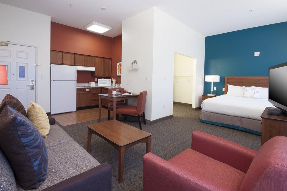 Residence Inn Des Moines West at Jordan Creek Town Center: 160 S Jordan Creek Pkwy, West Des Moines, IA