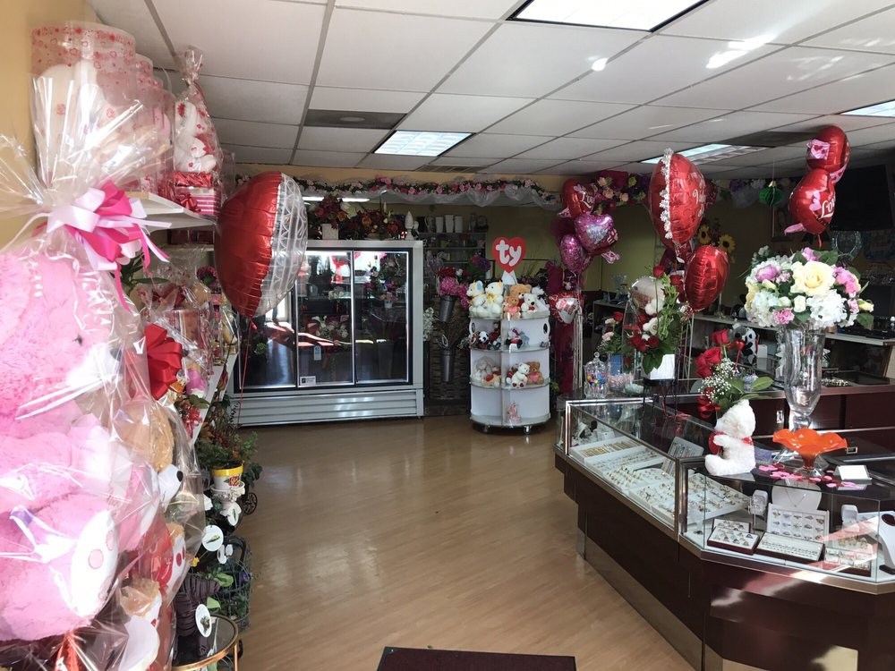 Lalo's Jewelry and Flower Shop