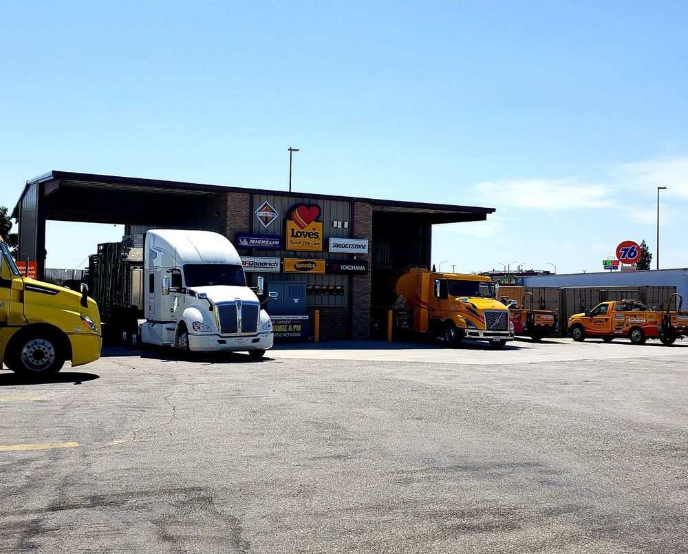 Love's Travel Stop: 21948 Hwy 46, Lost Hills, CA