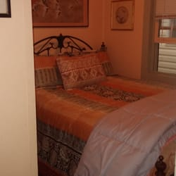 Photo Of Columbine Inn Idaho Springs Co United States Bed In