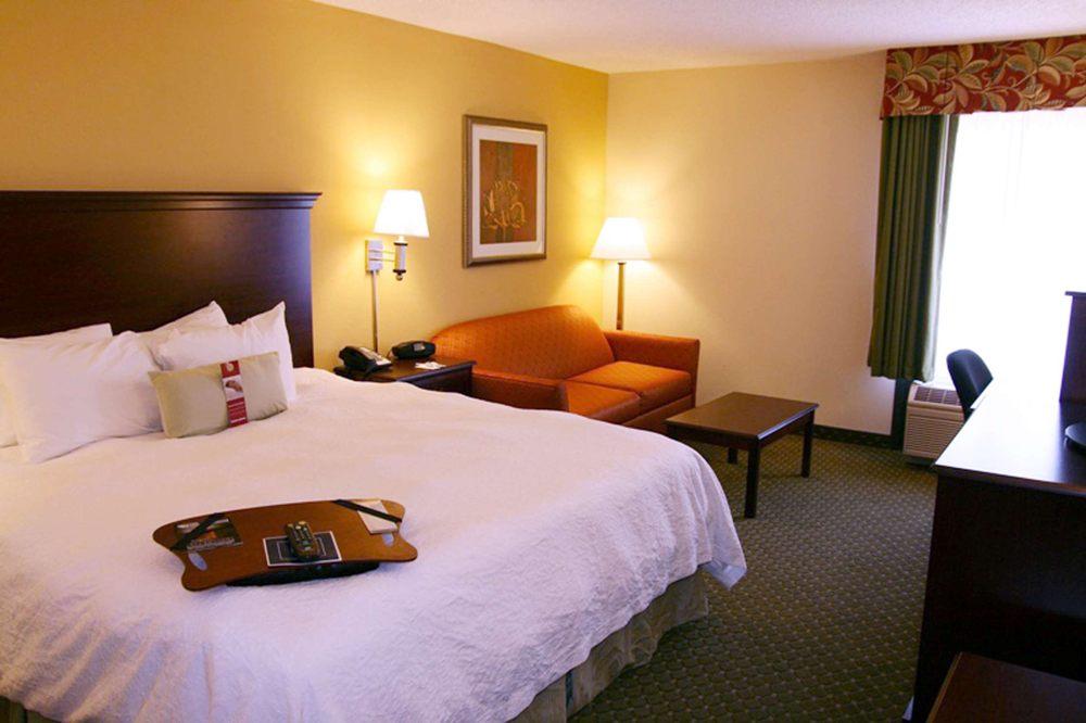 Hampton Inn New Bern: 200 Hotel Dr, New Bern, NC