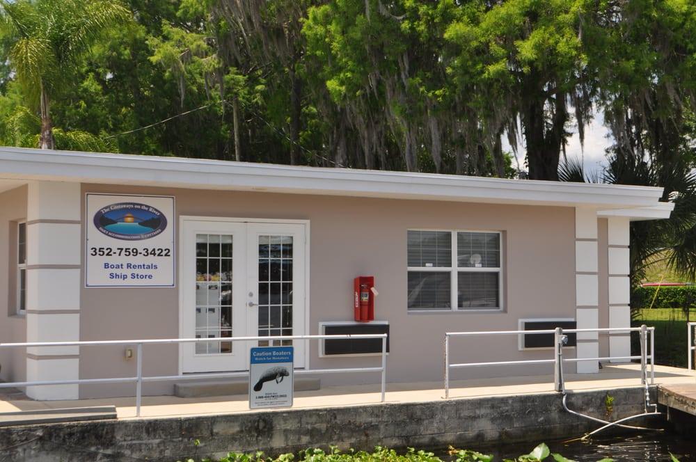 The Castaways on the River: 25131 Blackwater Ln, Astor, FL
