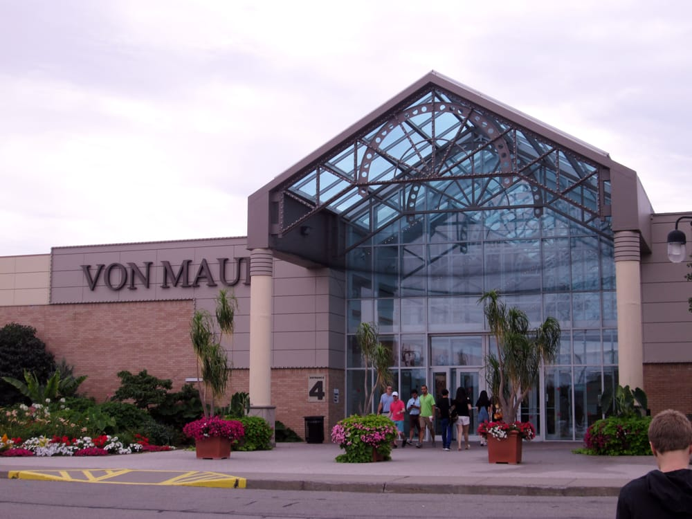 Eastview Mall is located in Victor, New York and offers stores - Scroll down for Eastview Mall shopping information: store list (directory), locations, mall hours, contact and address. Address and locations: Pittsford-Victor Road (Route 96), Victor, New York - NY /5(2).