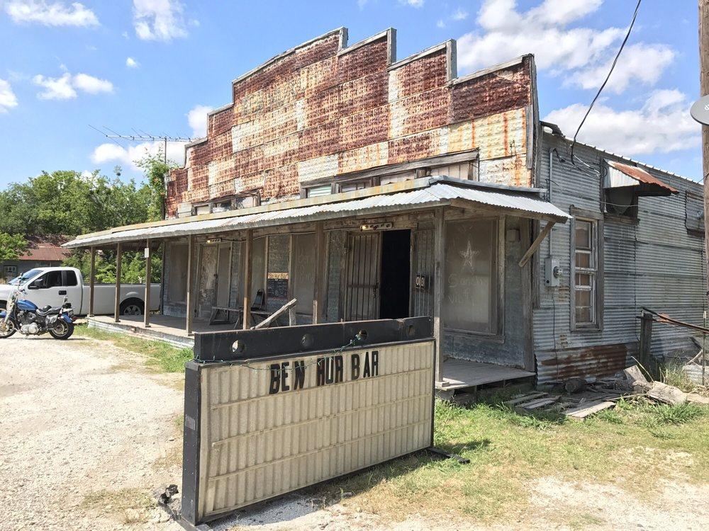 Ben Hur Bar: 1225 FM-339, Groesbeck, TX
