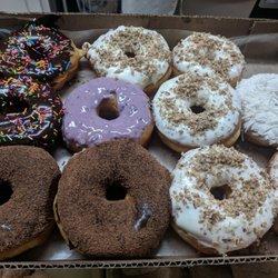 Falconi Donas Donuts Calle Juan De La Barrera 1338 Ciudad