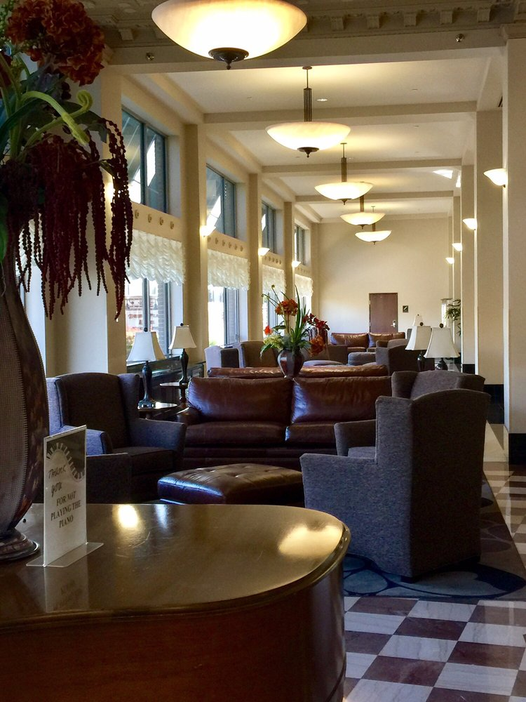 Drury Plaza Hotel Broadview Wichita: 400 W Douglas Ave, Wichita, KS