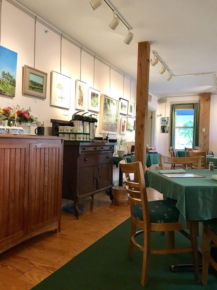 Maple Hill Farm Inn & Conference Center: 11 Inn Rd, Hallowell, ME