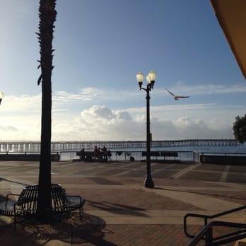 Crowne Plaza Ventura Beach  E Harbor Blvd Ventura Ca