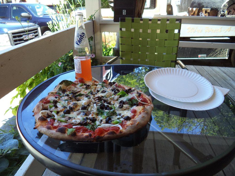 Goodman's American Pie: 5 Lamere Sq, Ludlow, VT