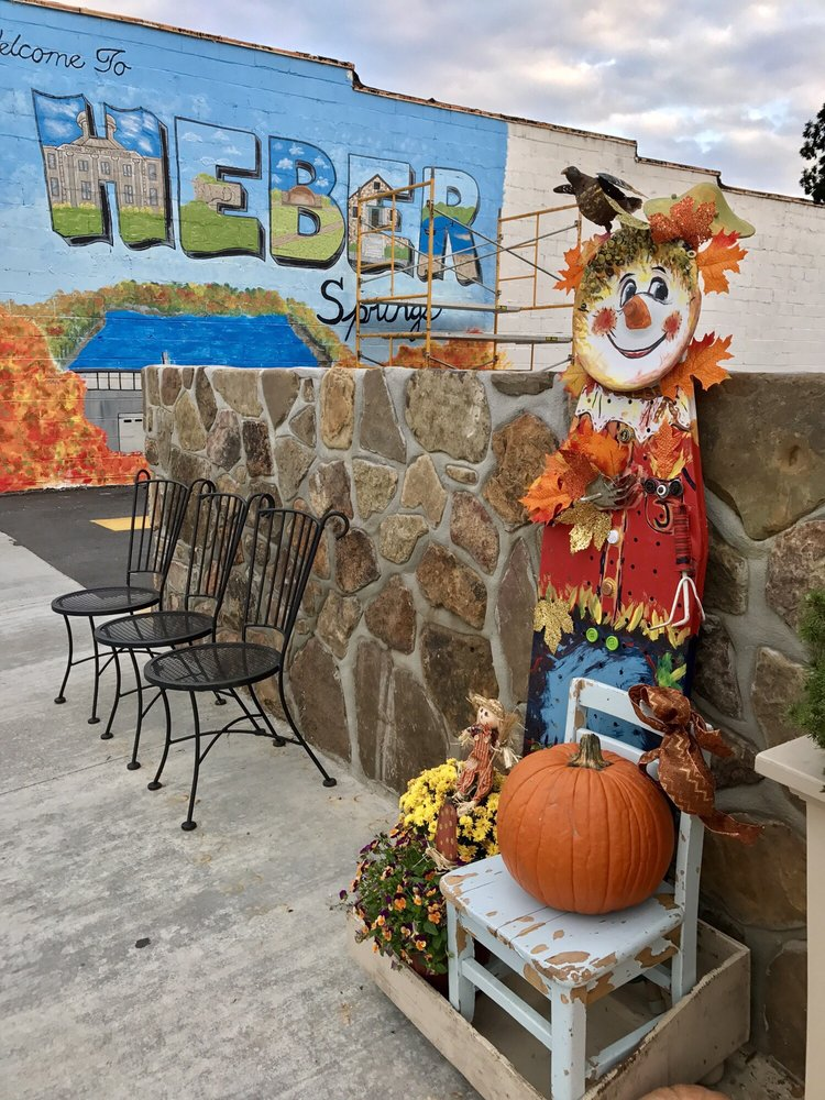 Jitterbug Coffeehouse: 109 W Main St, Heber Springs, AR