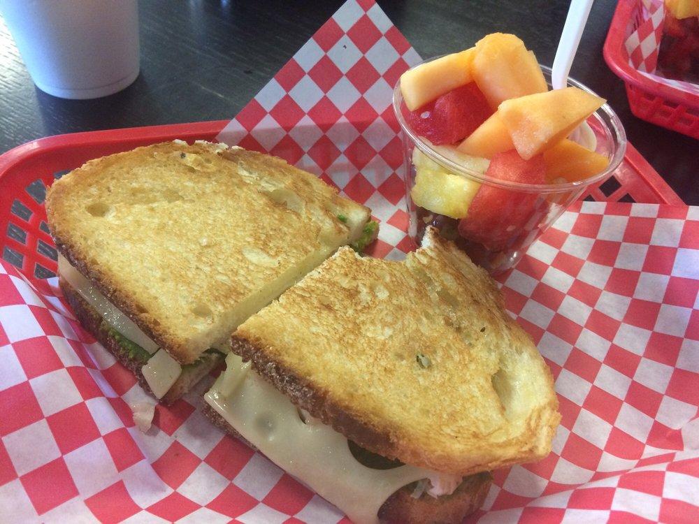 Nueces Cafe: 15552 Northwest Blvd, Robstown, TX