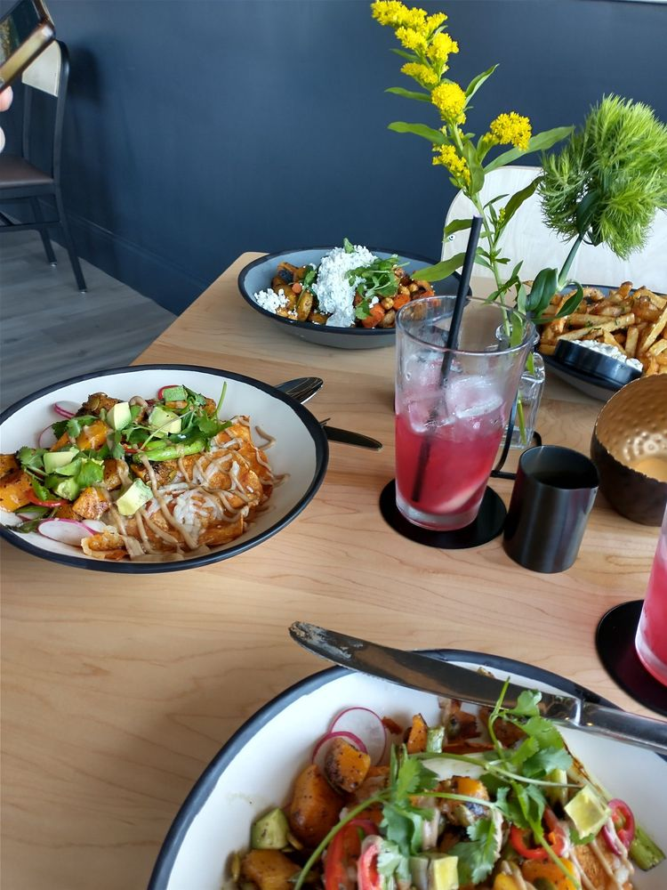 Luminary Kitchen & Provisions: 3121 Hedley Rd, Springfield, IL
