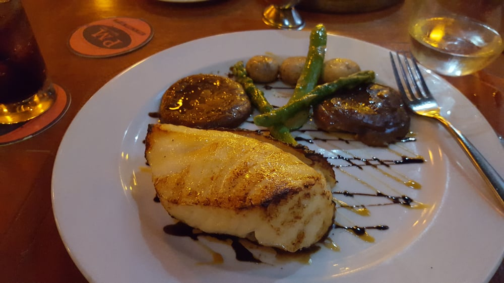 My gosh the best sea bass i have ever had service was for Pm fish steak house