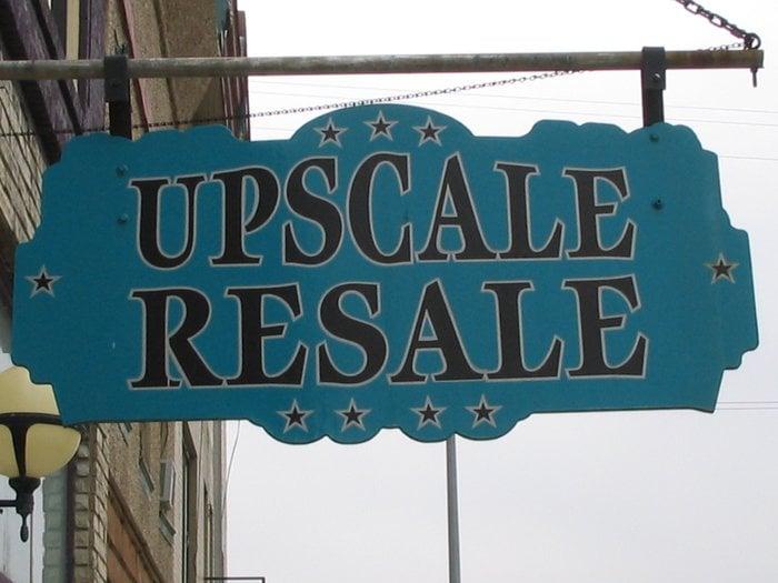Upscale Resale: 224 Main St, Lansing, IA