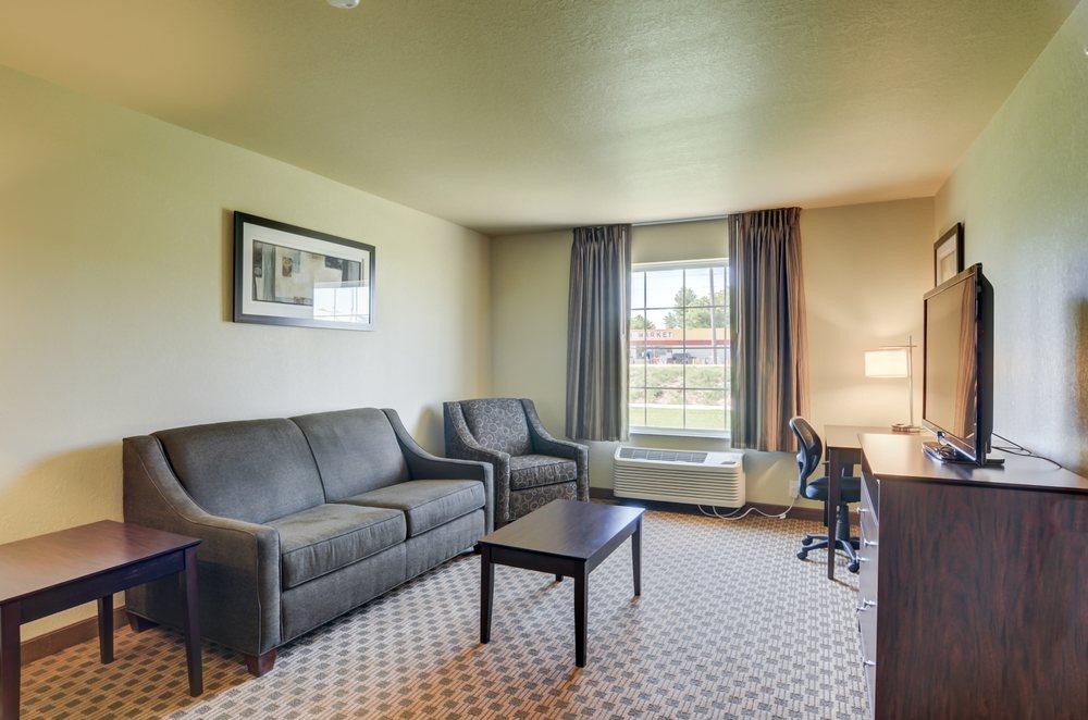 Cobblestone Inn & Suites - Kersey: 309 Hill St, Kersey, CO