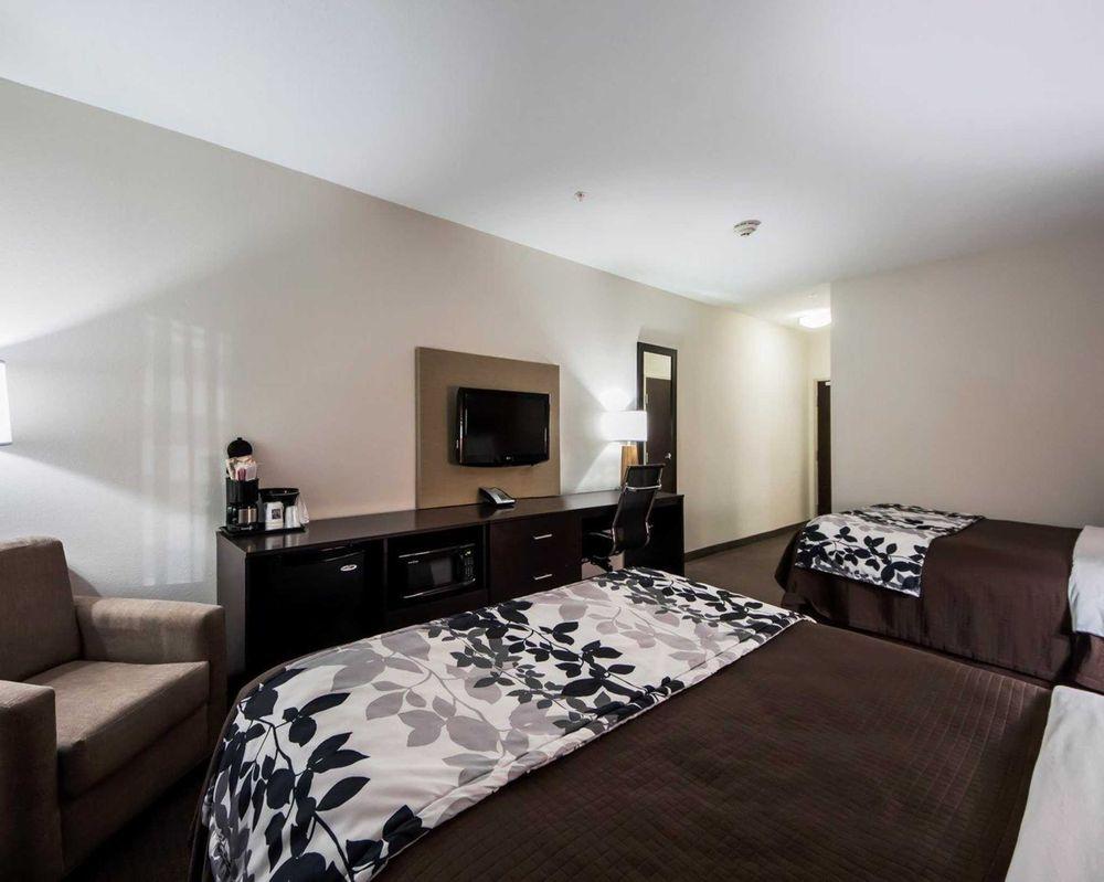 Sleep Inn & Suites: 2710 E Hwy 66, Elk City, OK