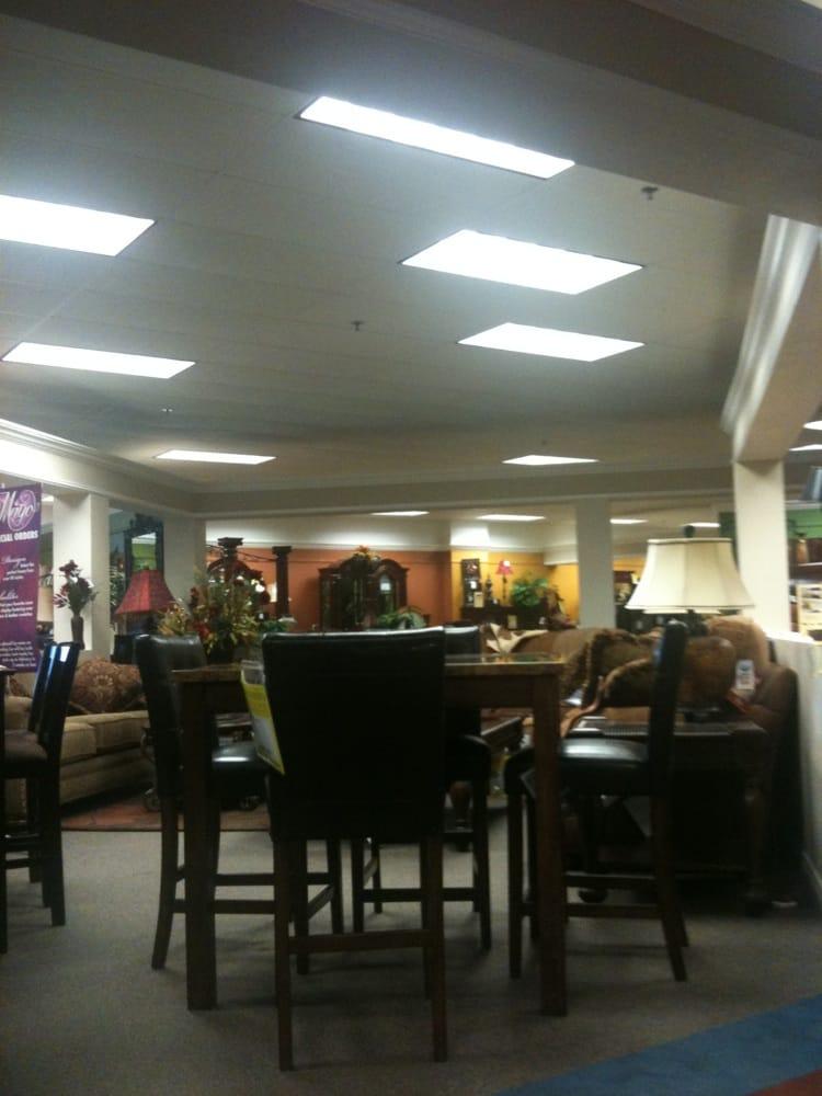 Ivan Smith Furniture: 219 S Palestine St, Athens, TX