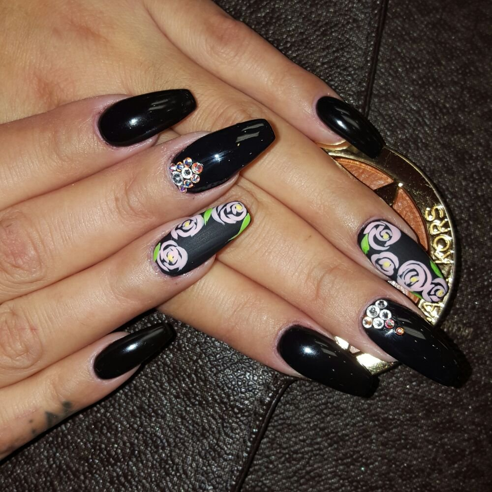 Freehand Nail Art With A Matte Finished For The Design To Enhance