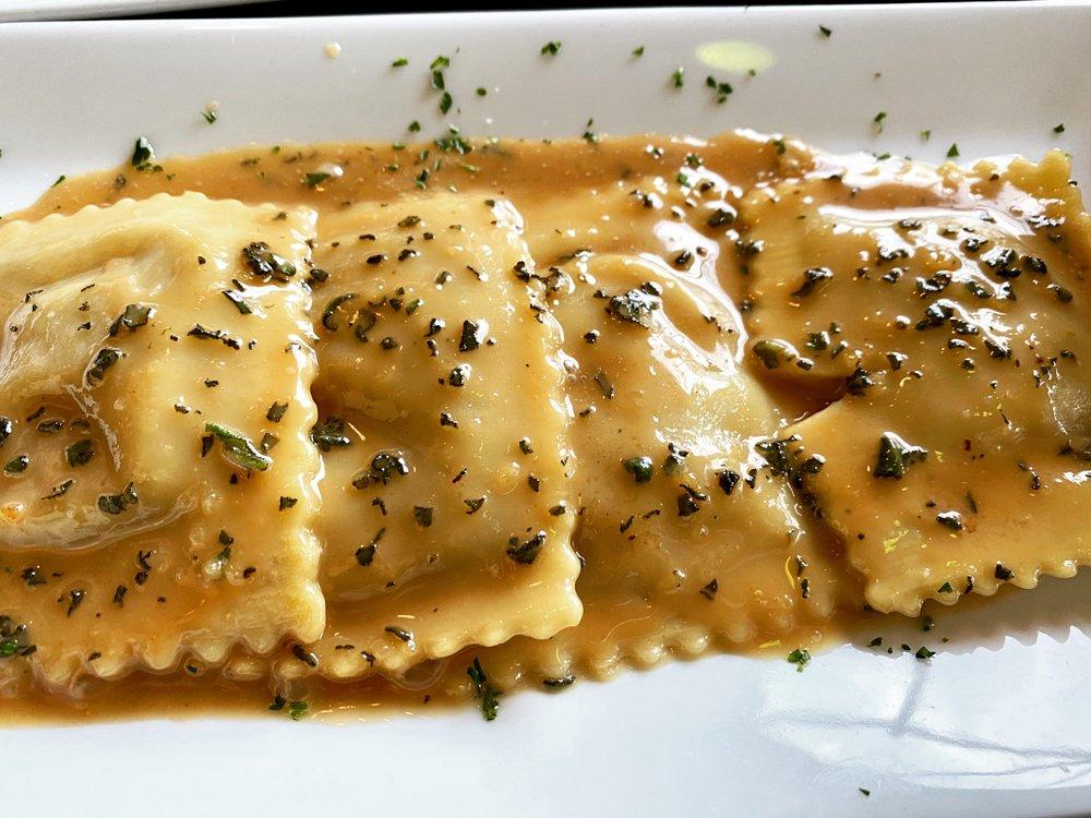 Pesto Italian Bistro: 168 F Kinderkamack Rd, Park Ridge, NJ