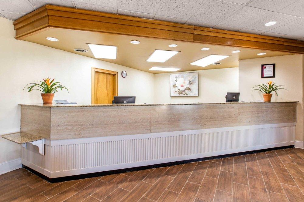 Clarion Inn Santee I-95: 123 Mall St, Santee, SC