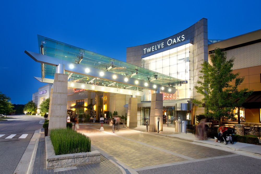 Twelve Oaks Mall in the Novi area, Michigan Are you looking for a cheap Twelve Oaks Mall hotel, a 5 star Twelve Oaks Mall hotel or a family friendly Twelve Oaks Mall hotel?