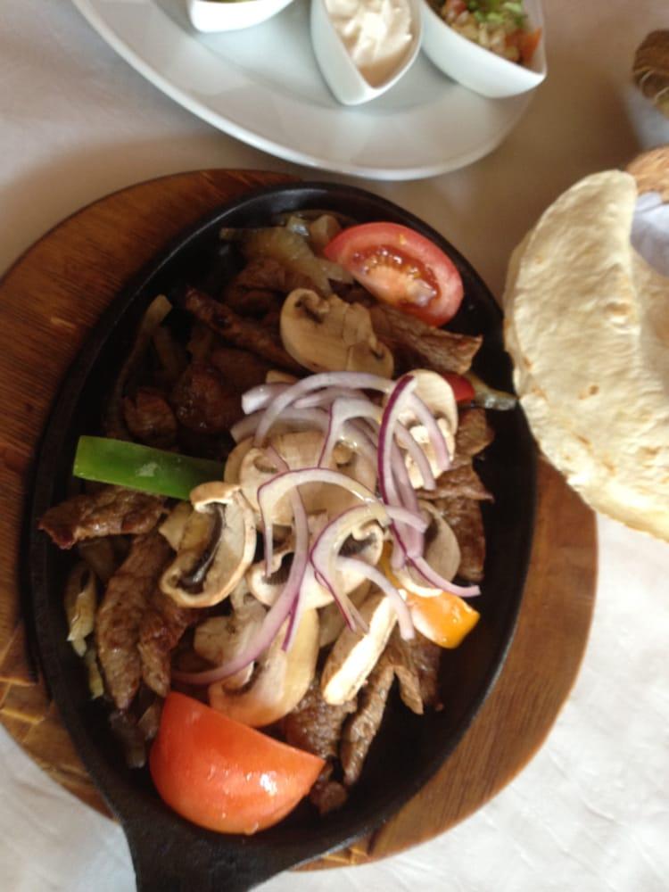 fajitas de carne alcatraz mexican restaurant berlin yelp