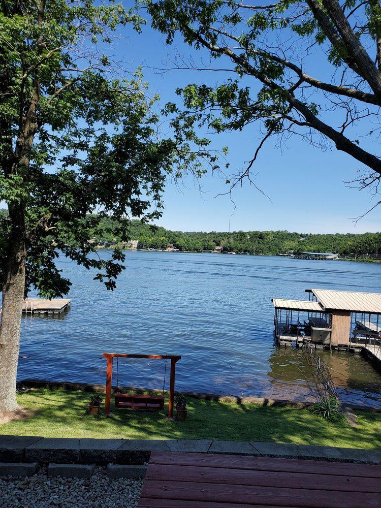 Lake Breeze Resort: 91 Breeze Dr, Camdenton, MO