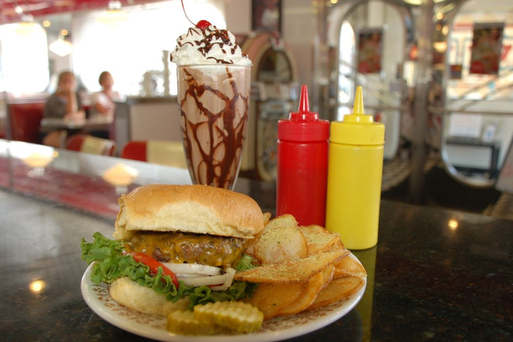 Donna's Diner: 10 W State St, Sharon, PA